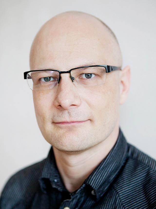 Dr. Lars Bumiller
